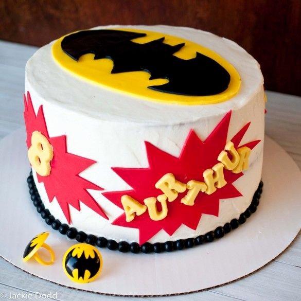 Batman Cake Template Unique 1000 Ideas About Easy Batman Cake On Pinterest