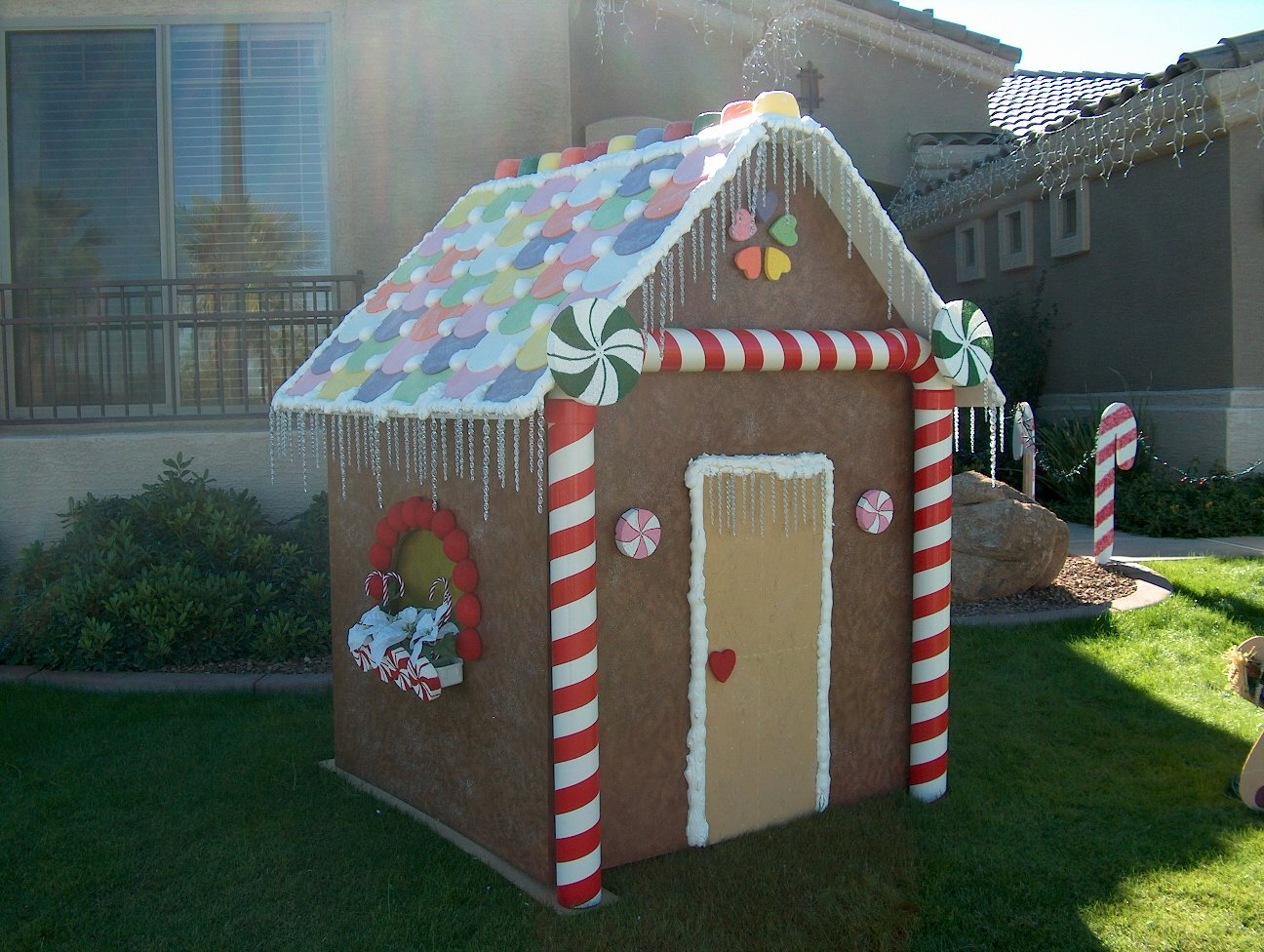 Cardboard Gingerbread House Best Of Vanderwalker Family Gingerbread House