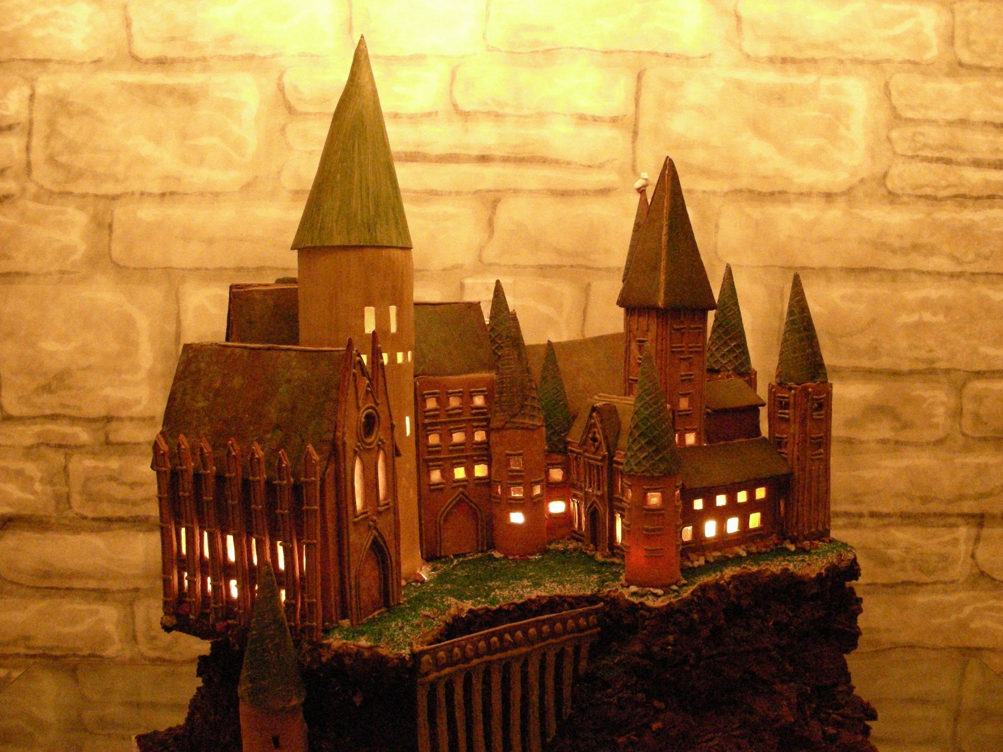 Gingerbread Castle Template Awesome Hogwarts Gingerbread Castle Plete with Internal