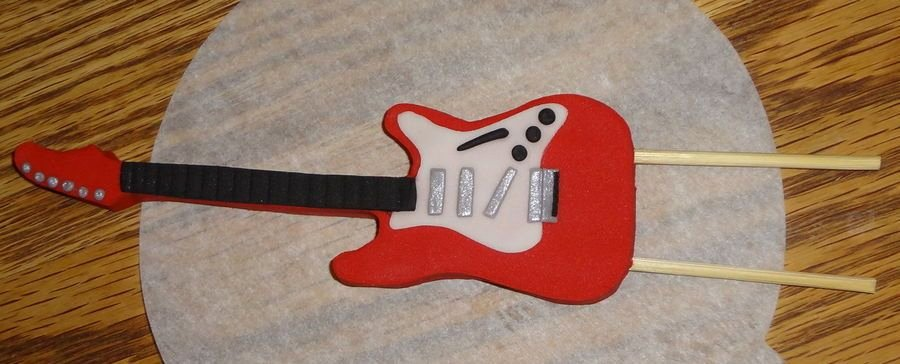 Guitar Cake Template Luxury Fondant Guitar I Used the Guitar Templates From
